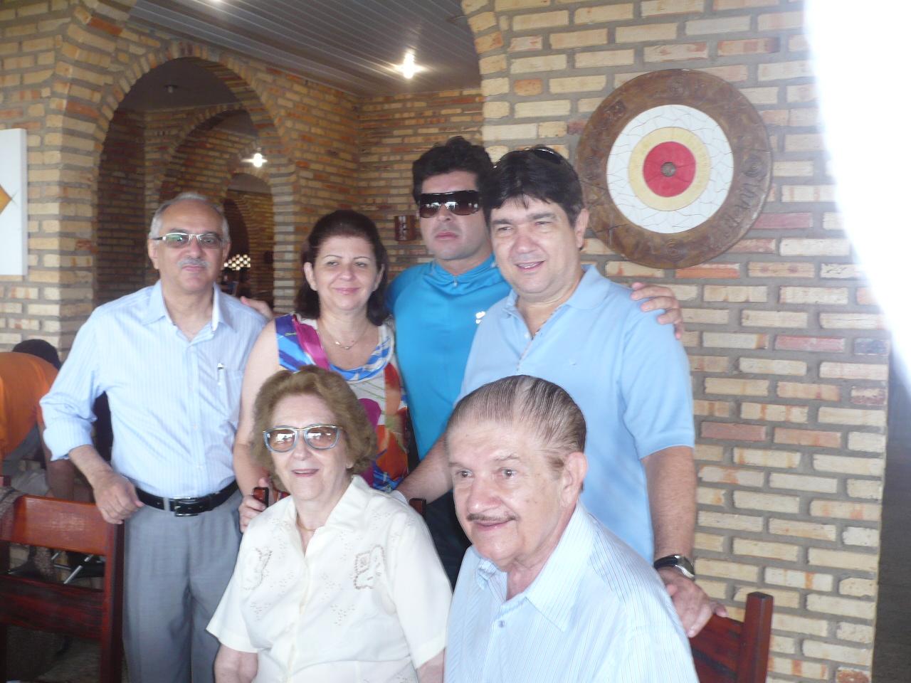 Clã Benevides reunidos para brindar os 80 anos do senador Mauro ad8a8b4f47