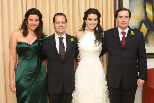 Leonardo e Natasha com os pais dela, Sandra e Fábio Rocha