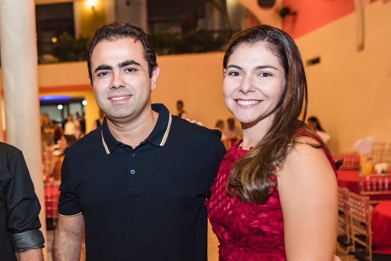 Caio e Debora Costa