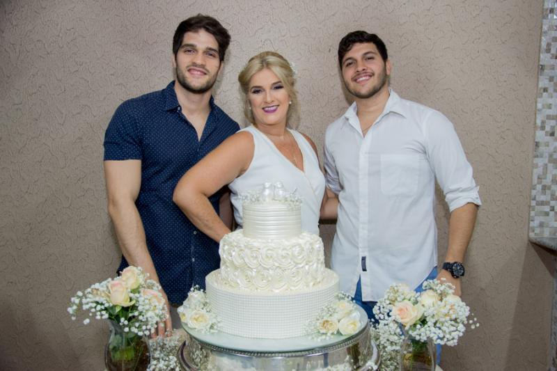 Lucas, Adriana e Matheus Aguiar