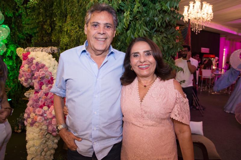 Everton Tavares e Valeria Freire