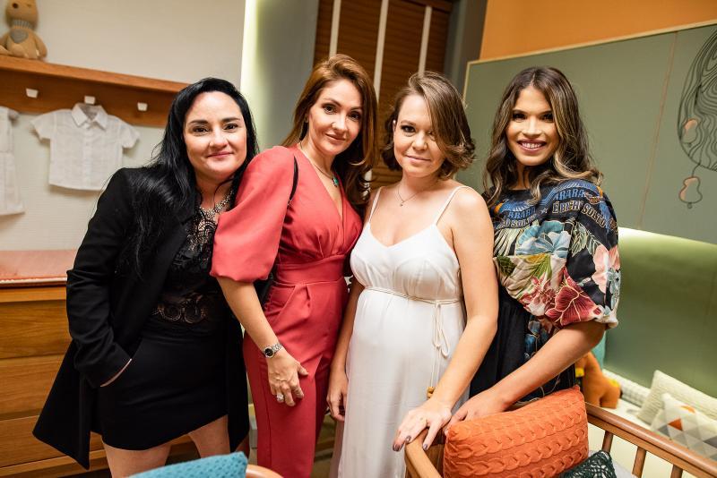 Kelly Teixeira, Liane Teixeira, Carol Timbo e Anellise Bluhm