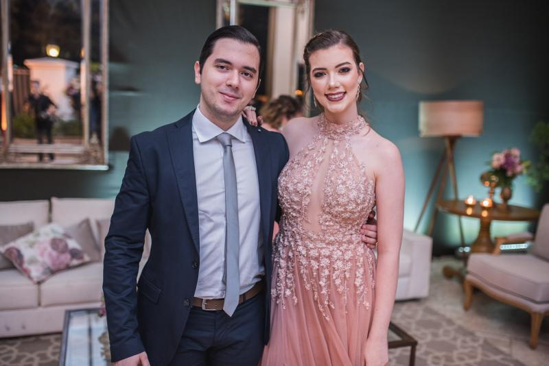 Miguel Fernandes e Vivian Porto