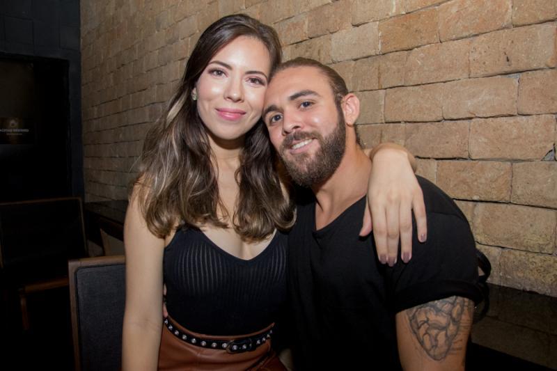 Rebeca Isle e Gabriel Albu