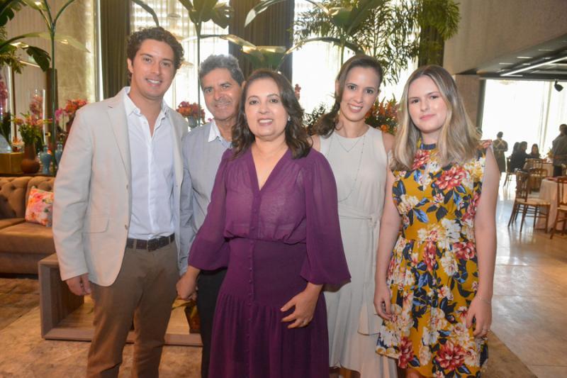 Felipe Bezerra, Francisco e Vania Procopio, Ticiane Araujo, Ana Loisa