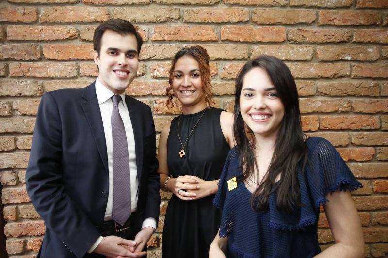 Joao Victor, Evelane e Carol Vasconcelos