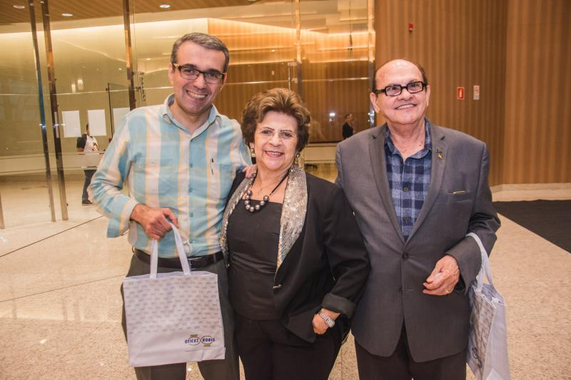 Angelo, Fatima e Jose Boris