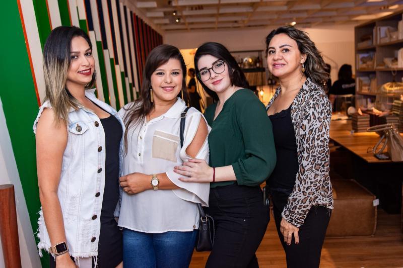 Cintia Barbosa, Manuela Monteiro, Beatriz Galhieta e Adriana Gomes