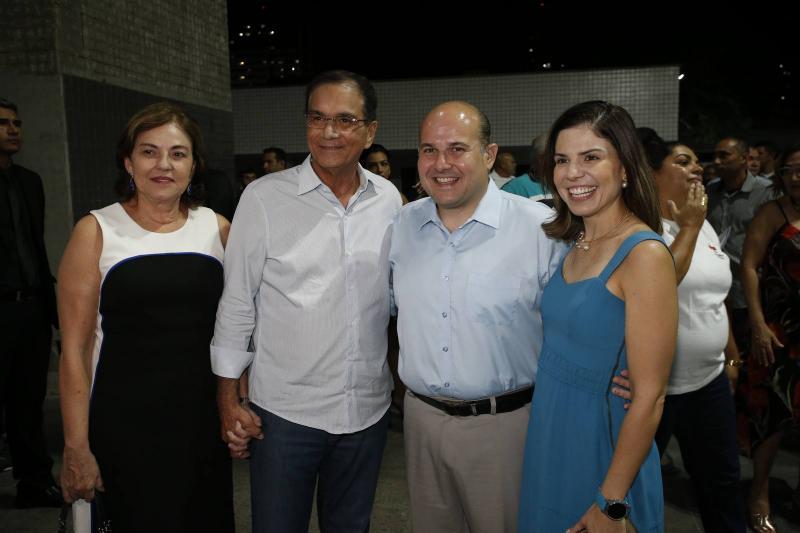 Ana Maria e Beto Studart, Roberto Claudio e Carol Bezerra