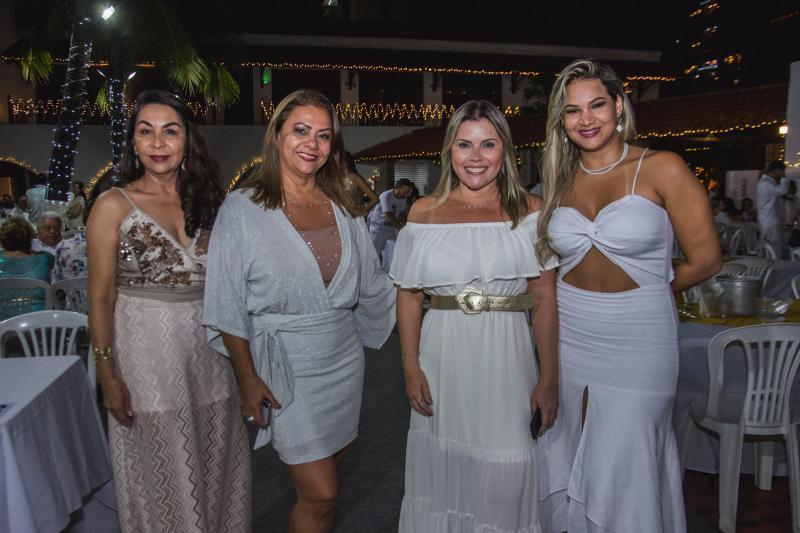 Ruth Mastela, Marcela Cerraii, Daniela Cerrati e Catiane Ferreira