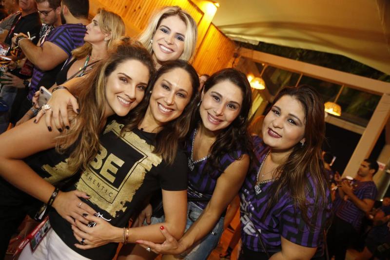 Natalia Marques, Kamila Melo, Larissa Coelho, Livia Leite e Carol Sonbral