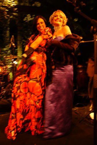 O pocket show de Clara Moreno e Anna Gelinskas