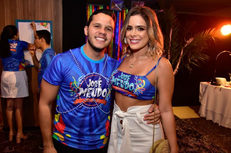 Tiago Gomes e Carol Gress