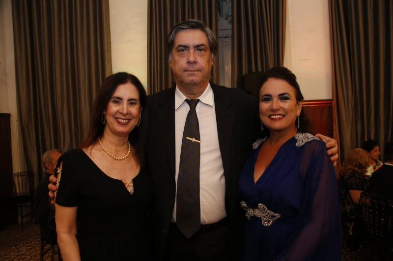 Valeria e Hugo Granjeiro e Ana Luiza Costa Lima