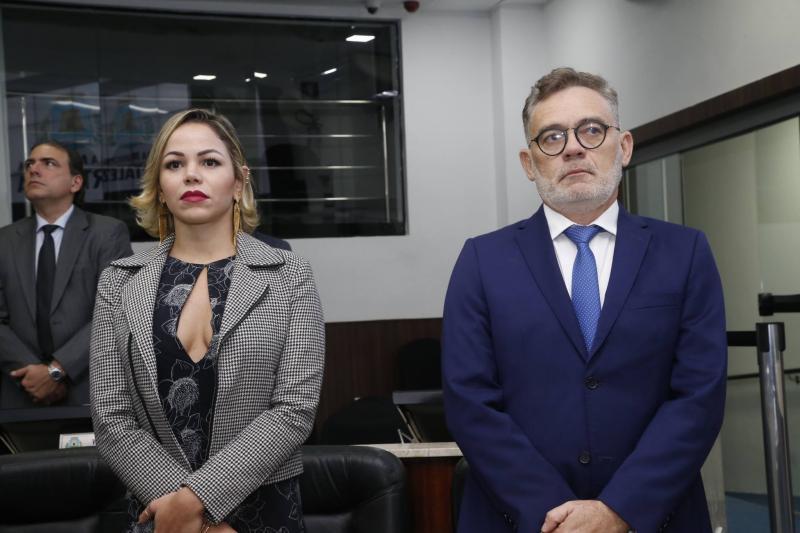 Nathalia Bernardo e Edson Barbosa