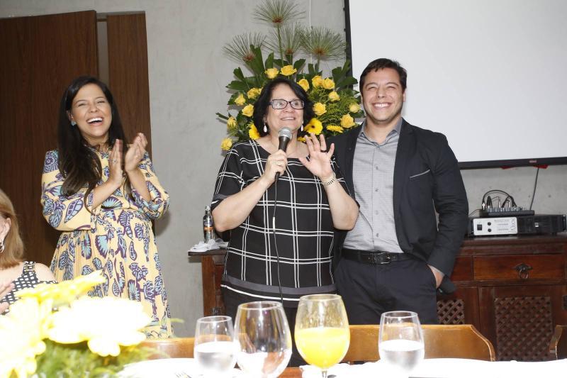 Priscila Costa, Damares Alves e Jose Roberto 2