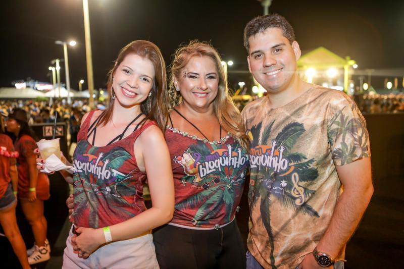 Rebeca Alves, Beth Pinto e Paulo Alves