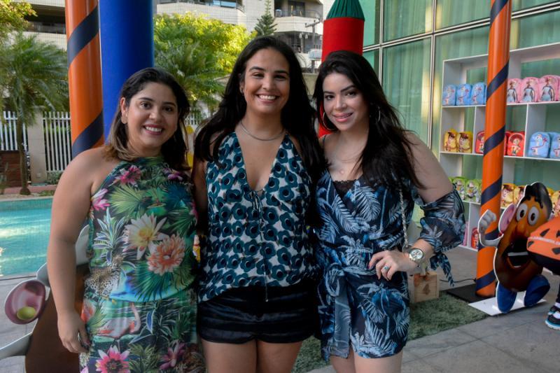 Carina Batista, Paola Lins e Isabela Sancho
