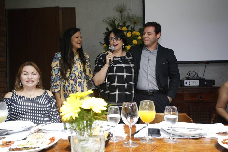Gorete Pereira, Priscila Costa, Damares Alves e Jose Roberto