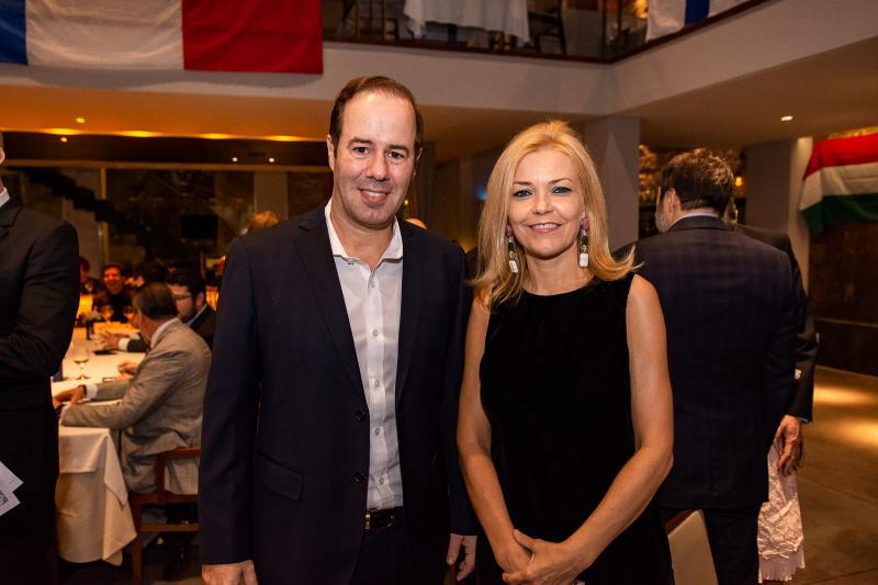 Cesar Ribeiro e Ana Cristina Pedroso