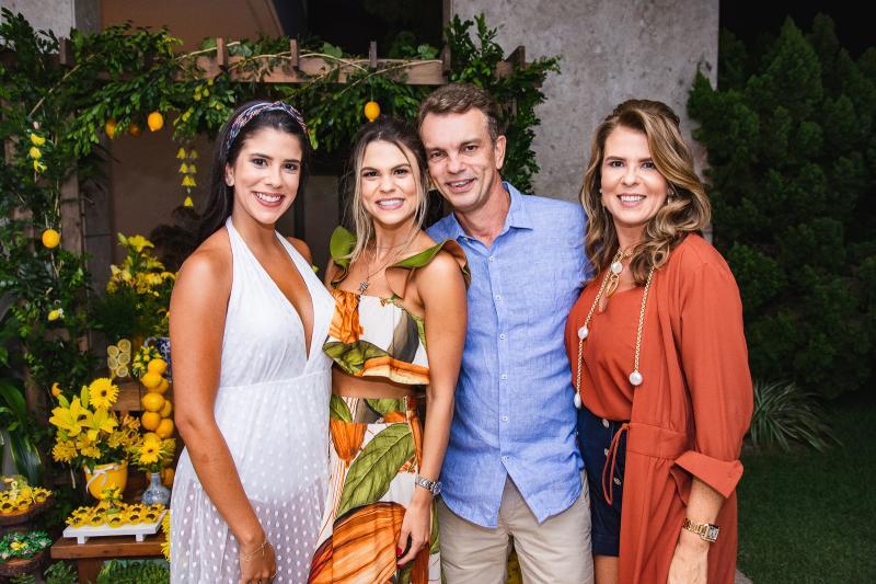 Marcella Pinto, Mariana Pinto, Alexandra Pinto e Fred Pinto