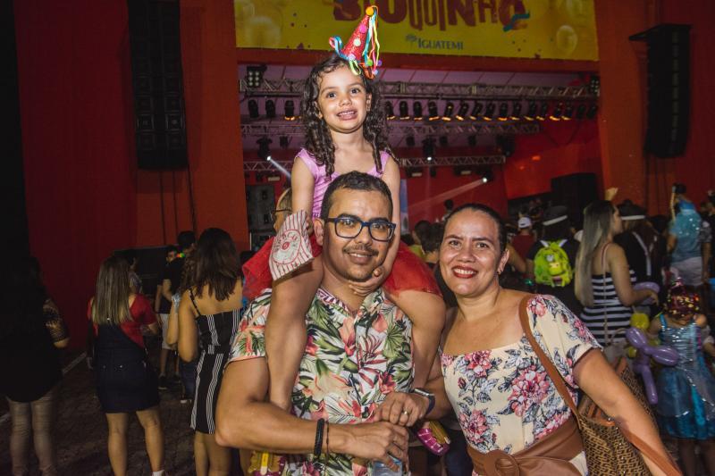 Fernando, Valentina e Renata Cruz