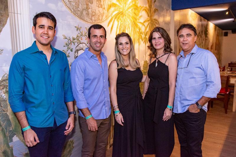 Cabral Neto, Felipe Mota, Mariana Mota, Daniela Costa e Gilberto Costa