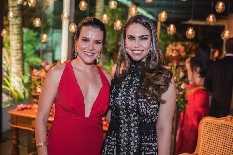 Carol barbosa e Rebeca Rios