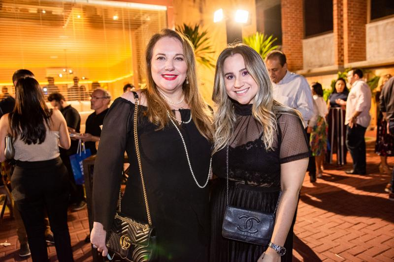 Luiziane Cavalcante e Roberta Fernandes