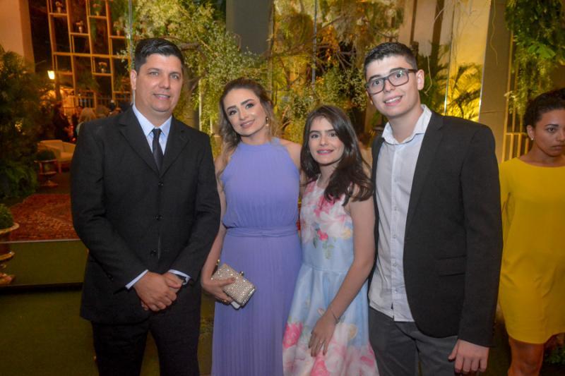Frederico Neto, Juliane, Isabel e Mateus Neves