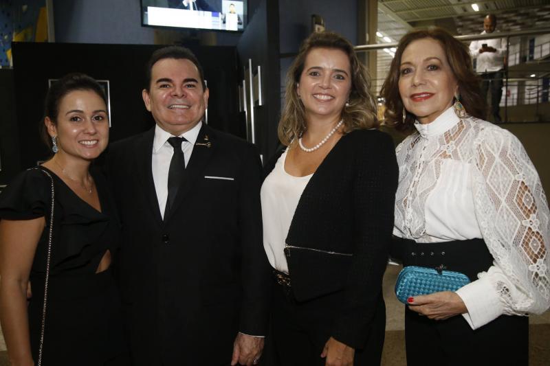 Claudiana Leitao, Walker Santiago, Renata Vasconcelos e Ana Alcantara