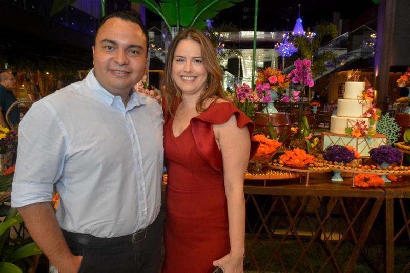Carlos Valerio e Vanessa Martins