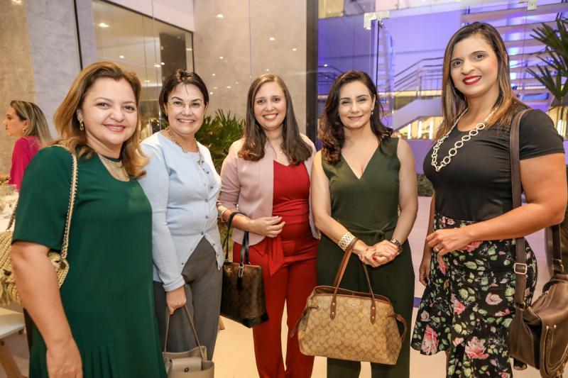 Sabrina Veras, Silvia Maia, Talitta Albuquerque, Patricia Rinald e Ana Carmelia