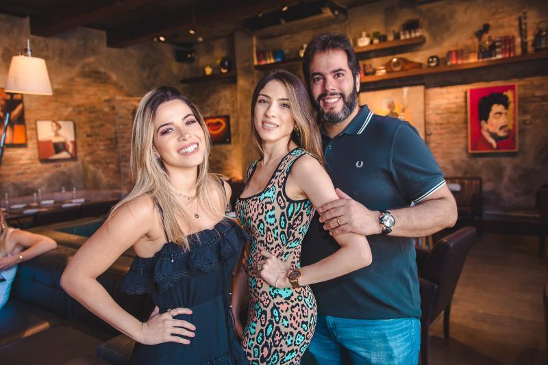 Carol Torres, Raisa Lou e Jose Isaac