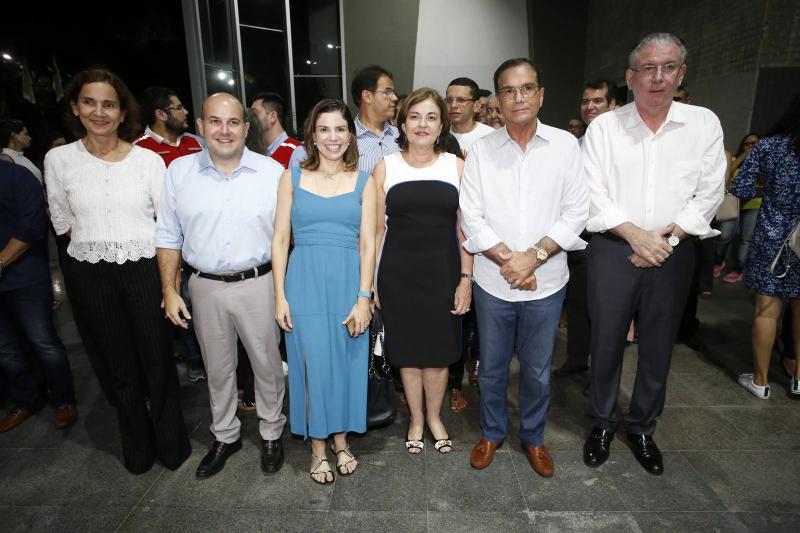 Izolda Cela, Roberto Claudio e Carol Bezerra, Ana Maria e Beto Studart e Ricardo Cavalcante