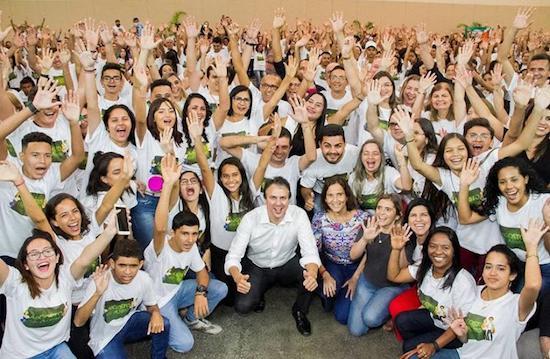 Camilo investe R$ 8,19 milhões na compra de livros e instrumentos
