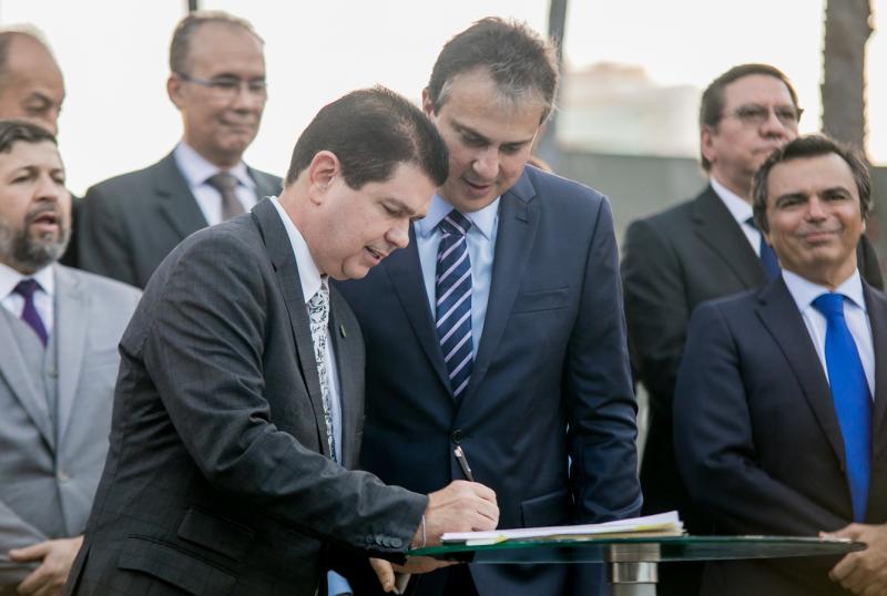 Mauro Benevides Filho e Camilo Santana
