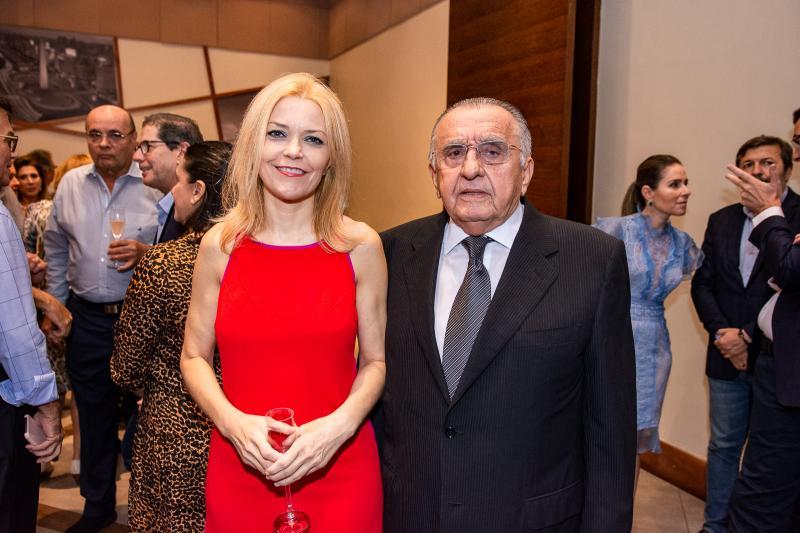 Ana Cristina Pedroso e Joao Carlos Paes Mendonca