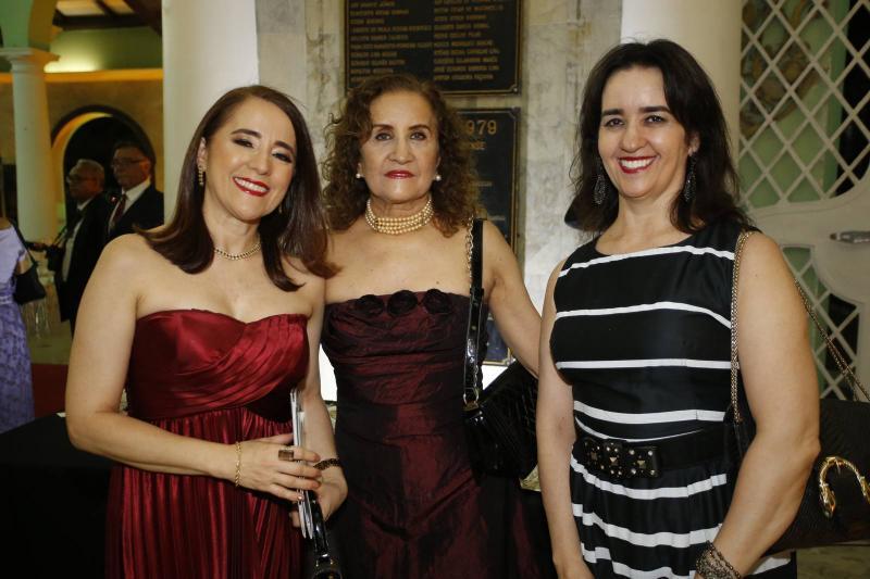 Fatima, Euvira e Francisca Goncalves
