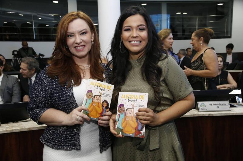 Aline Barroso e Priscila Costa 2