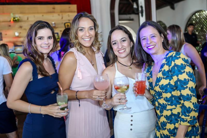 Lara Cidrao, Daniele Couto, Juliana Moreira e Eveline Espauter