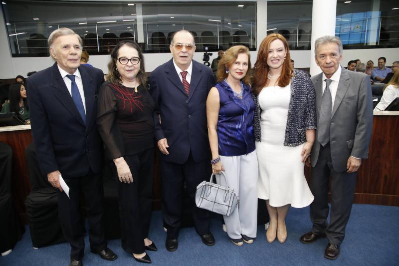 Arnoldo Leite Barbosa, Siglinda e Regis Barroso, Renata Jereissati, Aline Barroso e Magela Felix