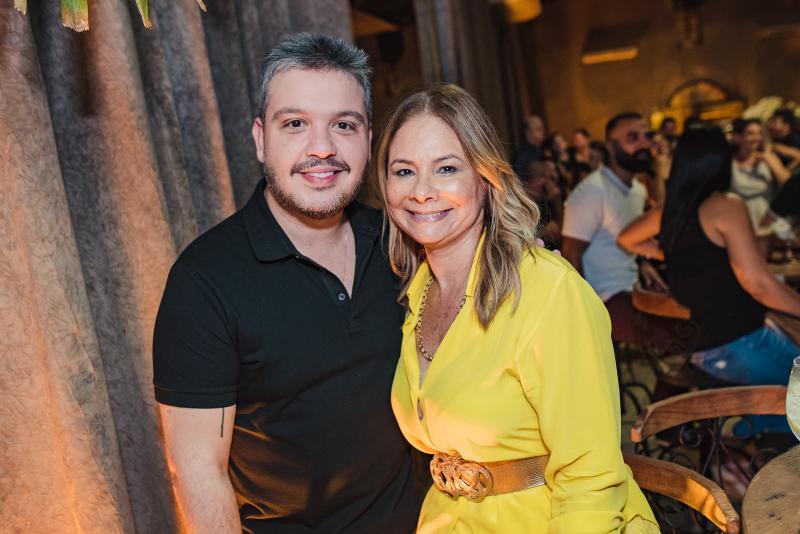 Renato Thomaz e Milena Lima