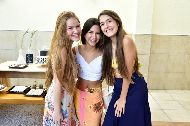 Ana Clara Castelo Branco, Nina Cavalcante e Ana Beatriz Telles