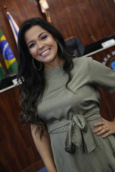 Priscila Costa 2