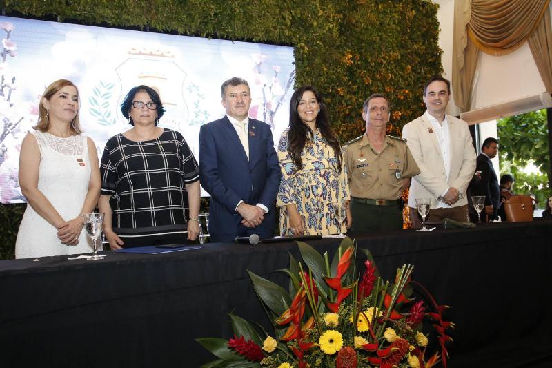 Maira Pinheiro, Damares Alves, Antonio Henrique, Priscila Costa, General Cunha Matos e Capitao Wagner 1