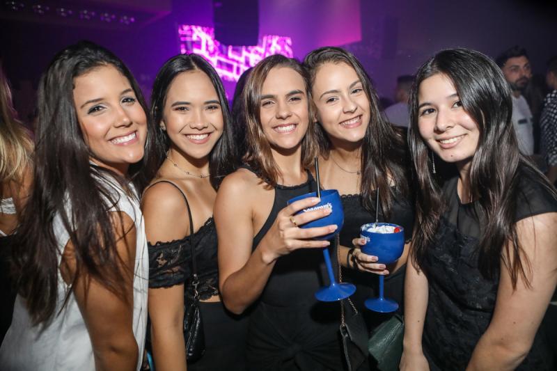 Sara Pontes, Mei Ye, Vitoria Xavier, Mariana Coelho e Carina Tavora