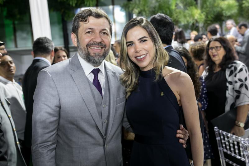 Elcio Batista e Mariana Miranda
