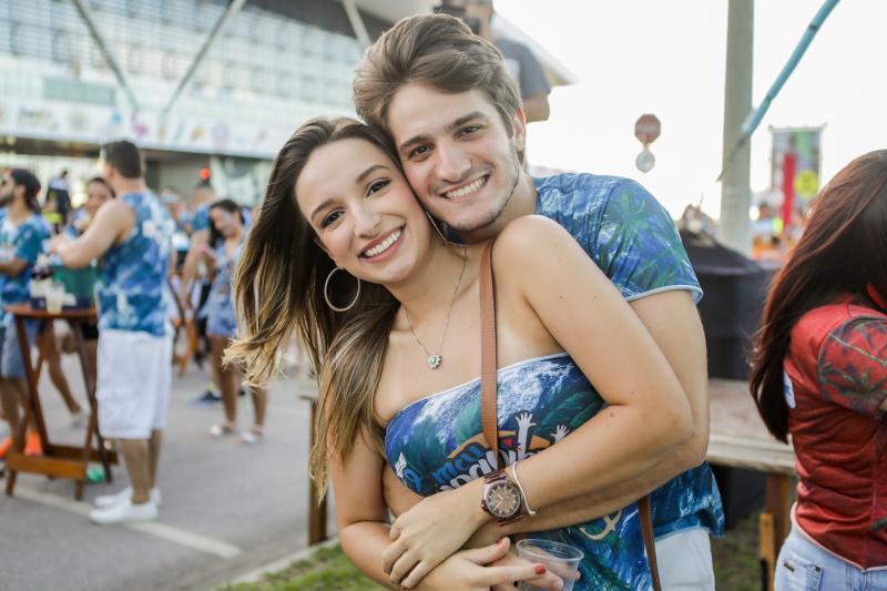 Vitoria Rocha e Felipe Micelli