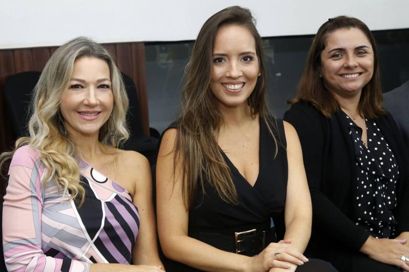 Carmen Ragel, Gisele Bezerra e Adriana Ferreira Gomes